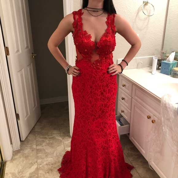 Beautiful Red Lace Prom Dress
